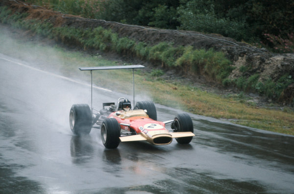1968 International Gold Cup.  Oulton Park, England. 17th August 1968.  Graham Hill, Lotus 49B Ford.  Ref: 68GC26. World Copyright: LAT Photographic