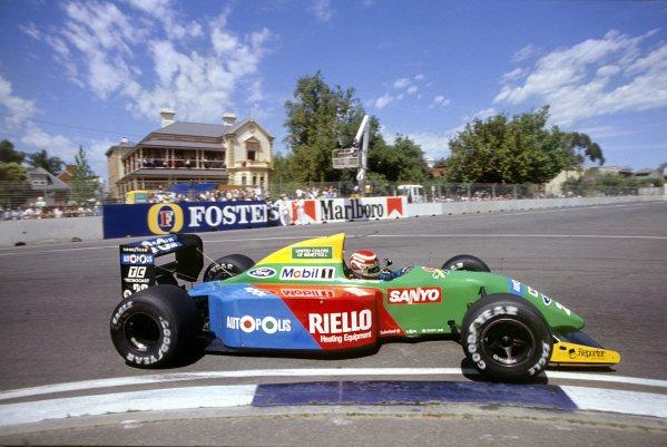 1990 Australian Grand Prix.Adelaide, Australia. 2-4 November 1990.Nelson Piquet (Benetton B190 Ford) 1st position.World Copyright - LAT Photographic.Ref-90 AUS 13.