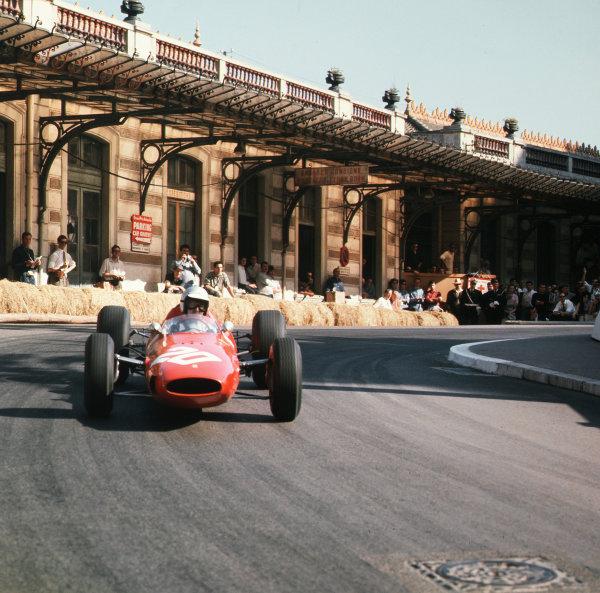Monte Carlo, Monaco.7-10 May 1964.Lorenzo Bandini (Ferrari Dino 156).Ref-3/1215.World Copyright - LAT Photographic