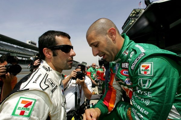 L-R: Andretti Green Team mates Dario Franchitti (GBR) and Tony Kanaan (BRA).IRL IndyCar Series, Indianapolis 500 Practice, Indianapolis Motor Speedway, Indianapolis, USA. 9-11 May 2006.DIGITAL IMAGE