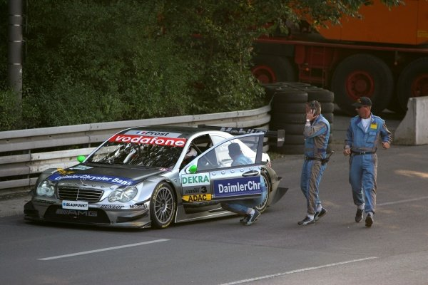 Alain Prost (FRA), AMG-Mercedes C-Klasse, stopping on the track with problems with the car. DTM Race of the Legends, Norisring. 16 July 2005. DIGITAL IMAGE