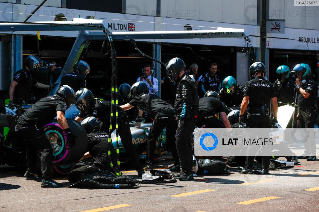 Monte Carlo, Monaco. Saturday 27 May 2017. Valtteri Bottas, Mercedes F1 W08 EQ Power+, in the pits during Qualifying. World Copyright: Glenn Dunbar/LAT Images ref: Digital Image _X4I9123
