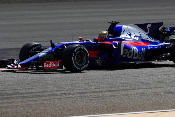 Bahrain International Circuit, Sakhir, Bahrain.  Tuesday 18 April 2017. Sean Gelael, Toro Rosso STR12 Renault. World Copyright: Glenn Dunbar/LAT Images ref: Digital Image _X4I2108