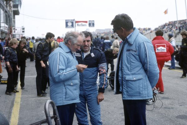 1982 Dutch Grand Prix.Zandvoort, Holland. 1-3 July 1982.Maurice Philippe, Brian Henton and Ken Tyrrell in the pits. Portrait.World Copyright: LAT PhotographicRef: 35mm transparency 82HOL39