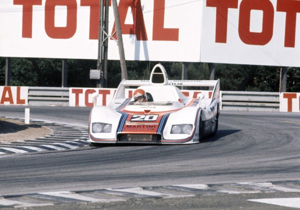 1976 Le Mans 24 hours. Le Mans, France. 12-13 June 1976. Jacky Ickx/Gijs van Lennep (Porsche 936), 1st position, action.  World Copyright: LAT Photographic Ref: 76LM02