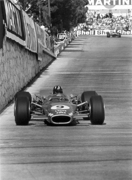 1968 Monaco Grand Prix.Monte Carlo, Monaco. 26 May 1968.Graham Hill, Lotus 49B-Ford, 1st position, action.World Copyright: LAT PhotographicRef: 2006 #38A