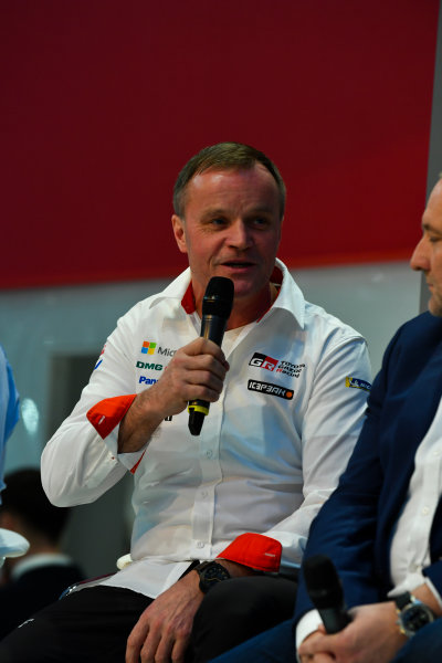 Autosport International Exhibition. National Exhibition Centre, Birmingham, UK. Thursday 11th January 2018. Tommi Makinen talks to Henry Hope-Frost on the Autosport Stage. World Copyright: Mark Sutton/Sutton Images/LAT Images Ref: DSC_6622