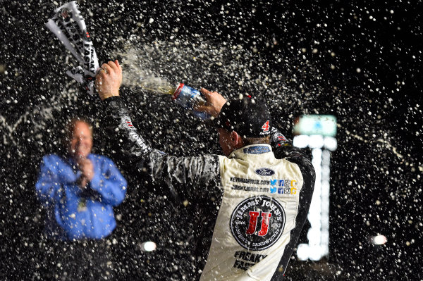 Monster Energy NASCAR Cup Series Folds of Honor Quik Trip 500 Atlanta Motor Speedway, Hampton, GA USA Sunday 25 February 2018 Kevin Harvick, Stewart-Haas Racing, Jimmy John's Ford Fusion celebrates his win World Copyright: Nigel Kinrade NKP / LAT Images