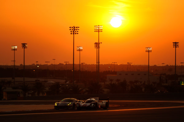 2017 FIA World Endurance Championship, Bahrain Internaternal Circuit, Bahrain. 16th-18th November 2017, #1 Porsche LMP Team Porsche 919 Hybrid: Neel Jani, Andre Lotterer, Nick Tandy  World Copyright. JEP/LAT Images