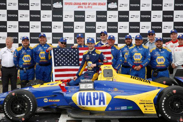 Alexander Rossi, Andretti Autosport Honda, crew, podium