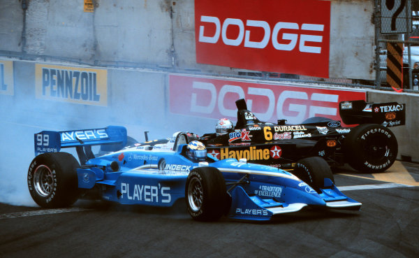 1999 CART Toronto G P.Andretti and Moore get together.-1999, David ChessonLAT PHOTOGRAPHIC