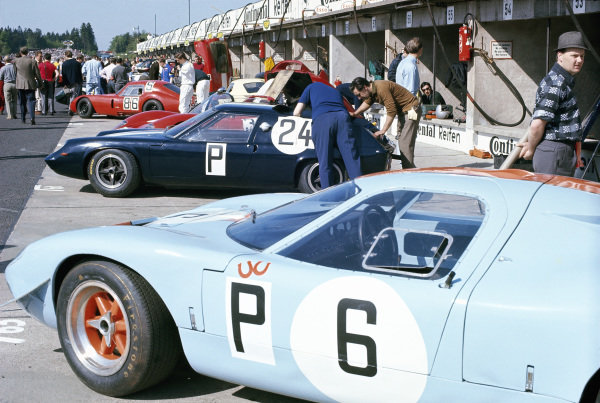 The Jacky Ickx / Richard Attwood, J. W. Automotive Engineering, Mirage M1 Ford M.10001 sits alongside the Julian Sutton / Hugh Dibley, Fawdington and Ramsay, Lotus 47 Climax 47-GT-16.