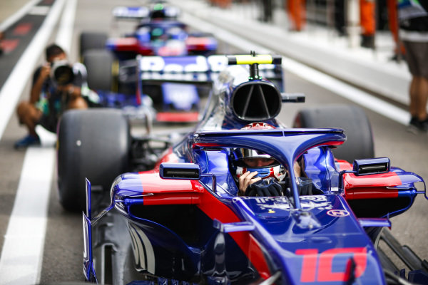 Pierre Gasly, Scuderia Toro Rosso STR13 waits to leave the pit lane