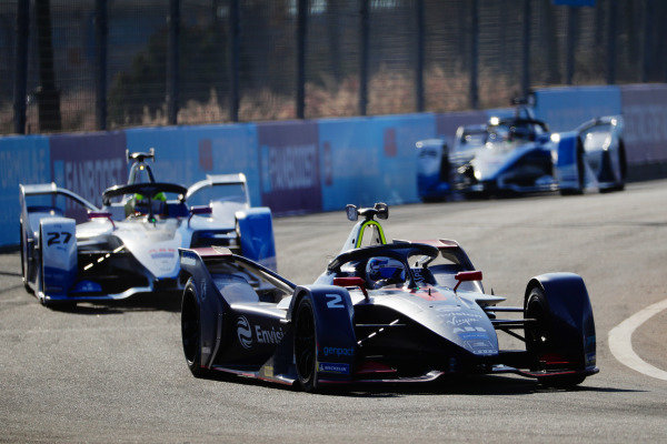 Sam Bird (GBR), Envision Virgin Racing, Audi e-tron FE05, leads Alexander Sims (GBR) BMW I Andretti Motorsports, BMW iFE.18, and Antonio Felix da Costa (PRT), BMW I Andretti Motorsports, BMW iFE.18