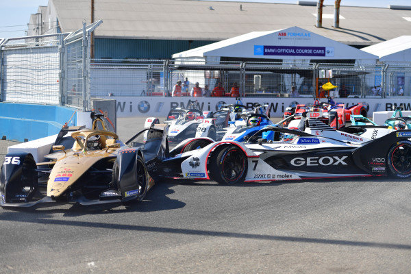 Jose Maria Lopez (ARG), GEOX Dragon Racing, Penske EV-3 spins into Andre Lotterer (DEU), DS TECHEETAH, DS E-Tense FE19