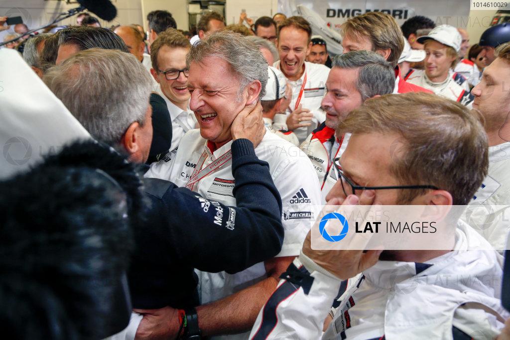 2016 Le Mans 24 Hours. Circuit de la Sarthe, Le Mans, France. Porsche Team / Porsche 919 Hybrid - Romain Dumas (FRA), Neel Jani (CHE), Marc Lieb (DEU).  Sunday 19 June 2016 Photo: Adam Warner / LAT ref: Digital Image _L5R7545