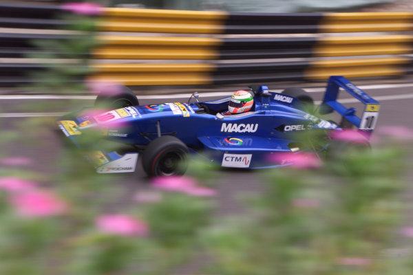 2000 Macau Grand Prix. Circuito Da Guia, Macau, China. 16th November 2000. Andre Couto, Opel Team BSR.   World Copyright: Peter Spinney / LAT Photographic. Ref: 275L2485
