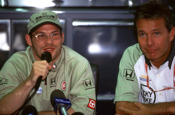 Hockenheim, Germany.28-30 July 2000.Jacques Villeneuve (B.A R. Honda) announces at a press conference that he has resigned for British American Racing for next year. B.A R. Managing Director and Villeneuve's manager Craig Pollock also attends.World Copyright - LAT Photographicref: 35mm A38