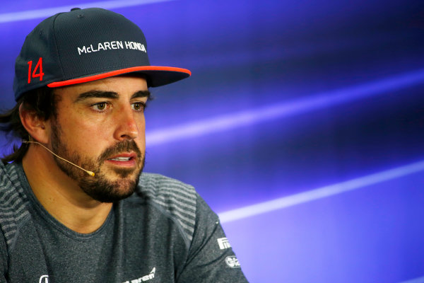 Yas Marina Circuit, Abu Dhabi, United Arab Emirates. Thursday 23 November 2017. Fernando Alonso, McLaren, in the press conference. World Copyright: Andy Hone/LAT Images  ref: Digital Image _ONY9773