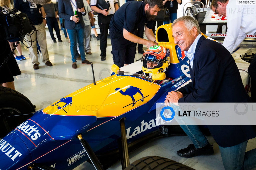 Williams 40 Event Silverstone, Northants, UK Friday 2 June 2017. Karun Chandhok aboard a Williams FW14 Renault. Its former driver Riccardo Patrese kneels next to the cockpit. World Copyright: Sam Bloxham/LAT Images ref: Digital Image _W6I6634