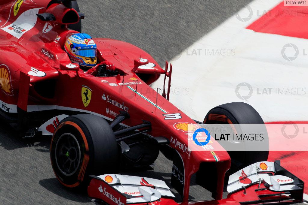 Bahrain International Circuit, Sakhir, Bahrain Friday 19th April 2013 Fernando Alonso, Ferrari F138.  World Copyright: Charles Coates/LAT Photographic ref: Digital Image _X5J2591