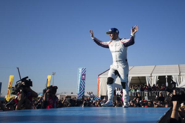 Sam Bird (GBR), Envision Virgin Racing, 3rd position, celebrates on the podium