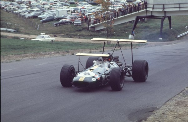 1968 Canadian Grand Prix.Mont-Tremblant, (St. Jovite), Quebec, Canada.20-22 September 1968.Jochen Rindt (Brabham BT26 Repco).Ref-68 CAN 36.World Copyright - LAT Photographic