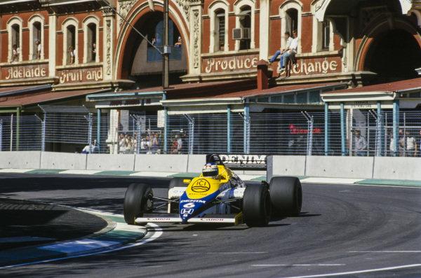Keke Rosberg, Williams FW10 Honda, attacks the kerbs.