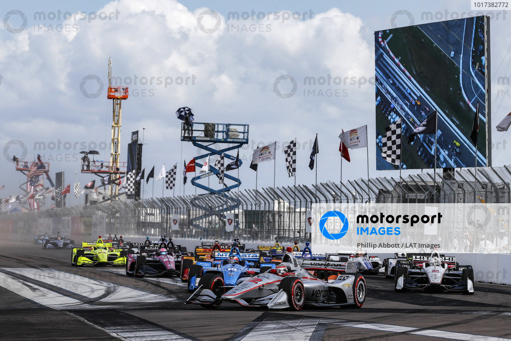 Will Power, Team Penske Chevrolet leads at the start