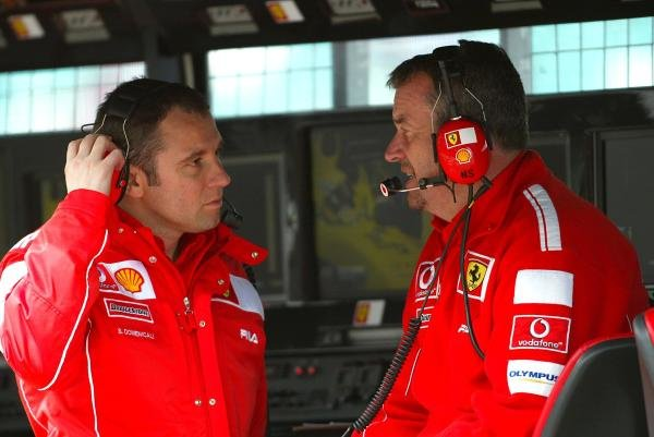 (L to R): Stefano Domenicali (ITA) Ferrari Director of F1 Racing Activities talks with Nigel Stepney (GBR) Ferrari Race Technical Manager.