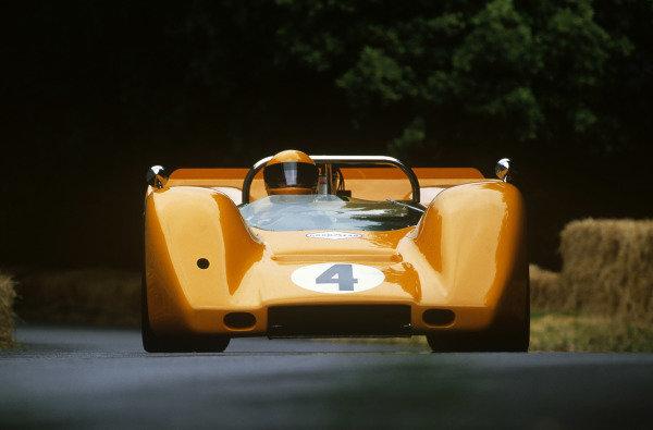 Goodwood House, East Sussex, England. 23-25  June 2000.McLaren M8D, action. World Copyright: Jeff Bloxham/LAT Photographic.