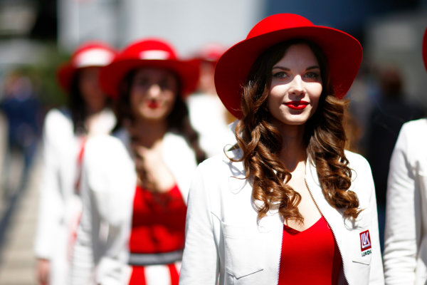 Sochi Autodrom, Sochi, Russia. Sunday 30 April 2017. Grid Girls arrive prior to the Russian Grand Prix World Copyright: Andy Hone/LAT Images ref: Digital Image _ONZ1600