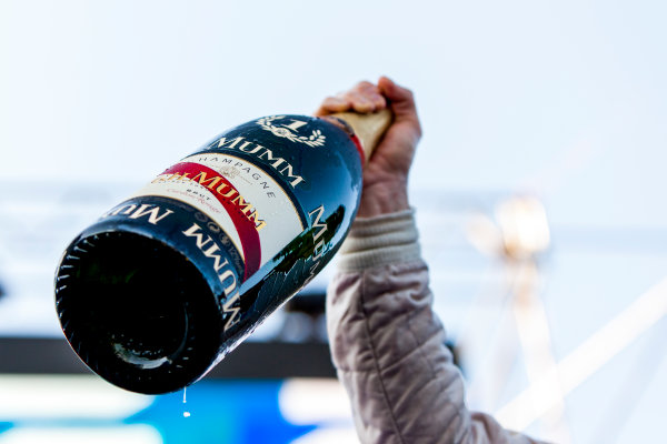 2015/2016 FIA Formula E Championship. Buenos Aires ePrix, Buenos Aires, Argentina. Saturday 6 February 2016. Sam Bird (GBR), DS Virgin Racing DSV-01 raises his Mumm Champagne. Photo: Zak Mauger/LAT/Formula E ref: Digital Image _MG_8430