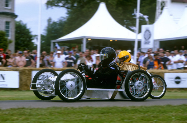 Goodwood House, East Sussex, England. 12th - 14th July 2002.Soap Box challange race, action.World Copyright: Jeff Bloxham/LAT Photographic.Ref: Colour Transparency.