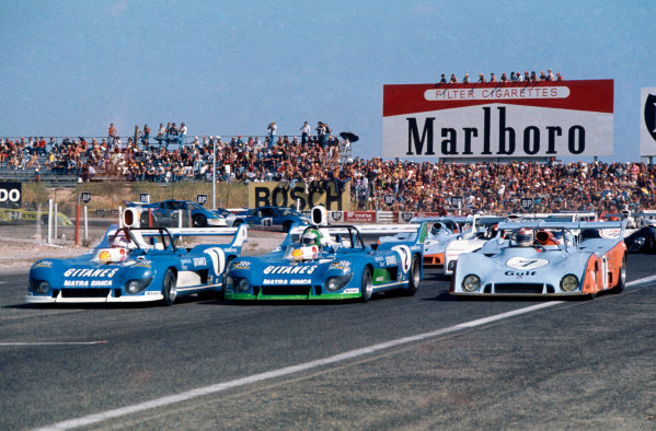 Paul Ricard, France. 15th August 1974. Rd 8.Jean-Pierre Beltoise/Jean-Pierre Jarier(Matra-Simca MS670C), 1st position, leads Henri Pescarolo/ Gerard Larrousse (Matra-Simca MS670C), 2nd position and Derek Bell/ Jacky Ickx (Gulf Mirage GR7 Ford), 3rd position, at the start, action. World Copyright: LAT Photographic.Ref:  74SCARS