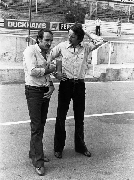 Brands Hatch, England. 14 - 16 July 1978. Clay Regazzoni (Shadow DN9-Ford), retired, talks to John Watson (Brabham BT46-Alfa Romeo), 3rd position portrait.  World Copyright: LAT Photographic. Ref:  B/W Print.