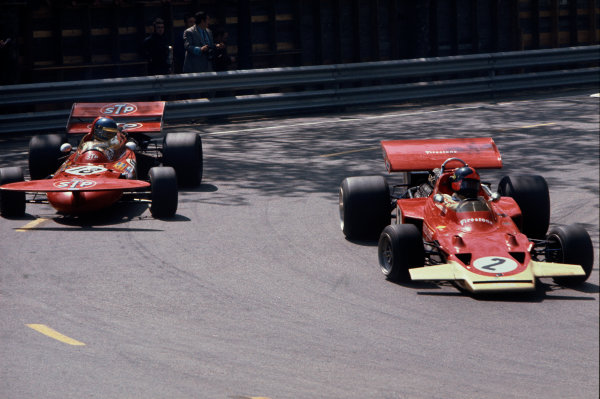 Montjuich Park, Barcelona, Spain. 16-18 April 1971.Ronnie Peterson (March 711-Ford), retired, is passed by Emerson Fittipaldi (Lotus 72C-Ford), retired, action. World Copyright: LAT Photographic.Ref:  71ESP