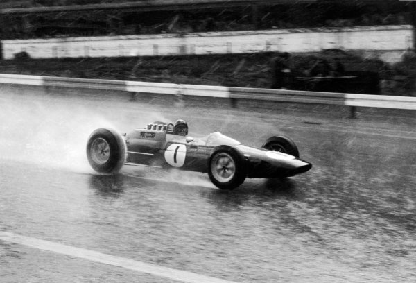 Spa-Francorchamps, Belgium. 7-9 June 1963.Jim Clark (Lotus 25-Climax), 1st position, in the rain, action. World Copyright: LAT PhotographicRef: Autosport b&w print
