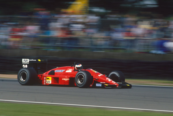 Silverstone, England. 8th - 10th July 1988. Gerhard Berger (Ferrari F187/88C), 9th position, action. World Copyright: LAT Photographic. Ref: 88GB02