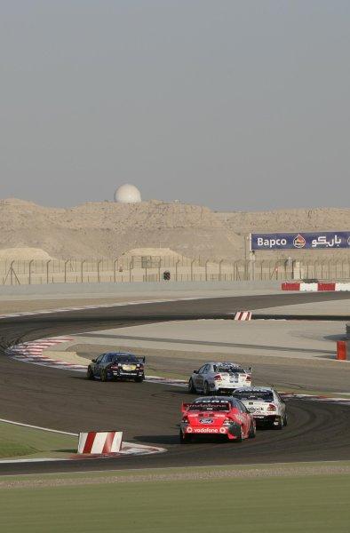 2007 Australian V8 Supercars.Bahrain International Circuit. Sakhir, Bahrain.2nd - 4th November. Race action. World Copyright: Mark Horsburgh/LAT Photographic. Ref: Digital Image V8RD12-07-5418
