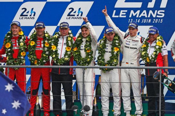 2015 Le Mans 24 Hours. Circuit de la Sarthe, Le Mans, France. Sunday 14 June 2015. Porsche Team (Porsche 919 Hybrid - LMP1), Nico Hulkenberg, Earl Bamber, Nick Tandy.  Photo:  Sam Bloxham/LAT Photographic. ref: Digital Image _SBL2579