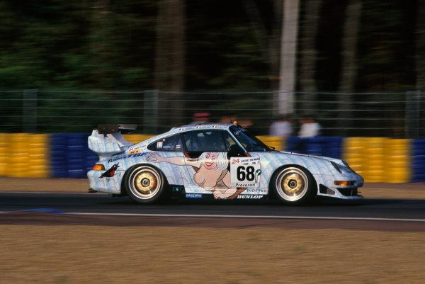 Le Mans, France. 6th - 7th June 1998.Eric Graham/Herve Poulain/Jean-Luc Maury-Laribiere (Porsche 911 GT2), 20th position, action. World Copyright: LAT Photographic.Ref: 98LM05.