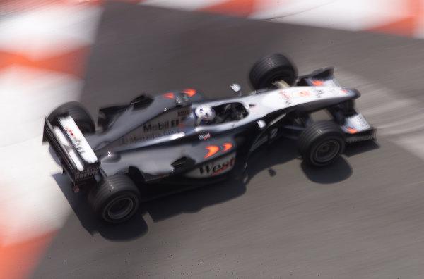 2000 Monaco Grand Prix.Monte Carlo, Monaco.1-4 June 2000.David Coulthard (McLaren MP4/15 Mercedes) 1st position.World Copyright - LAT Photographic