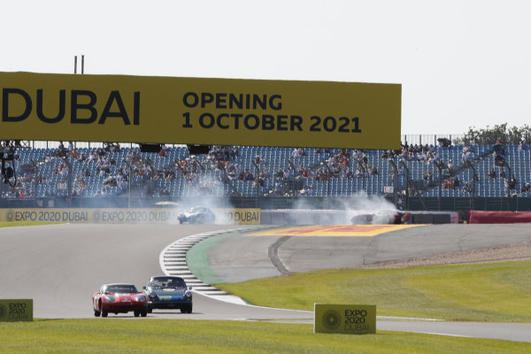 Andrew Jordan, AC Cobra Daytona Coupe, and Julian Thomas, Shelby Daytona Coupe, spin