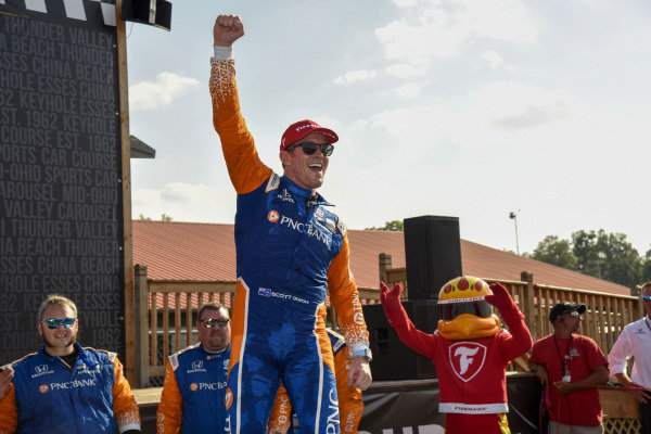 Scott Dixon, Chip Ganassi Racing Honda celebrates the win in victory lane