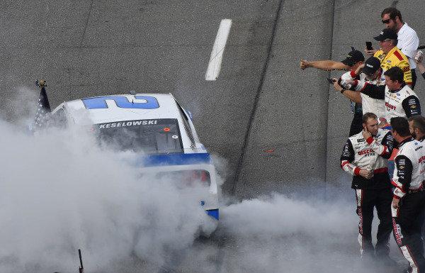 #2: Brad Keselowski, Team Penske, Ford Mustang Reese/DrawTite celebrates his win
