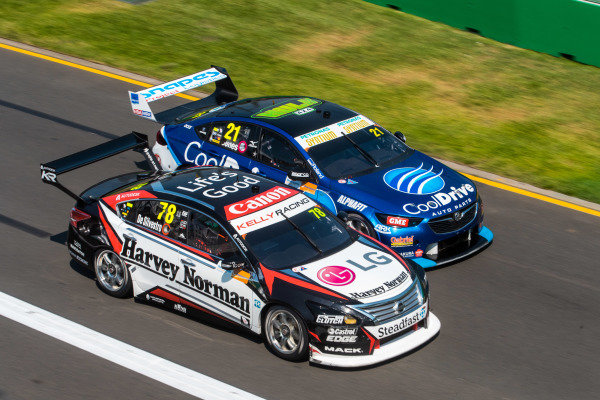 Simona de Silvestro, Kelly Racing, Nissan, leads Macauley Jones, Tim Blanchard Racing, Holden
