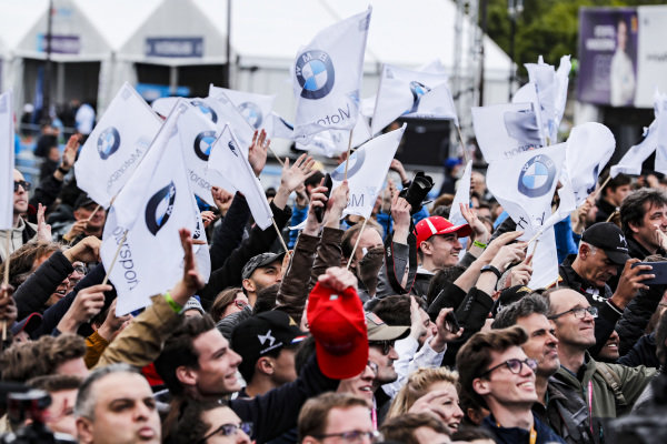 Fans waving BMW flags