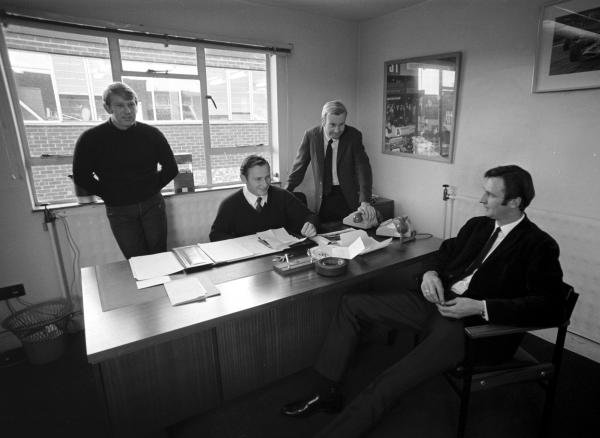 Mclaren Directors, L to R:  Tyler Alexander (USA), Bruce Mclaren (NZL), Teddy Mayer (USA) and Phil Kerr (NZL). McLaren Factory, Colnbrook, England, 1970.