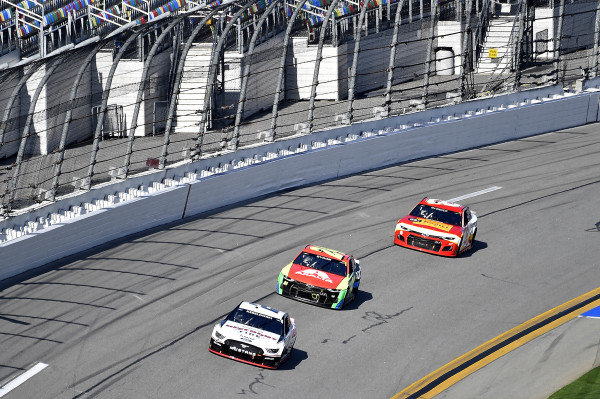 #2: Brad Keselowski, Team Penske, Ford Mustang Discount Tire, and #24: William Byron, Hendrick Motorsports, Chevrolet Camaro Axalta,